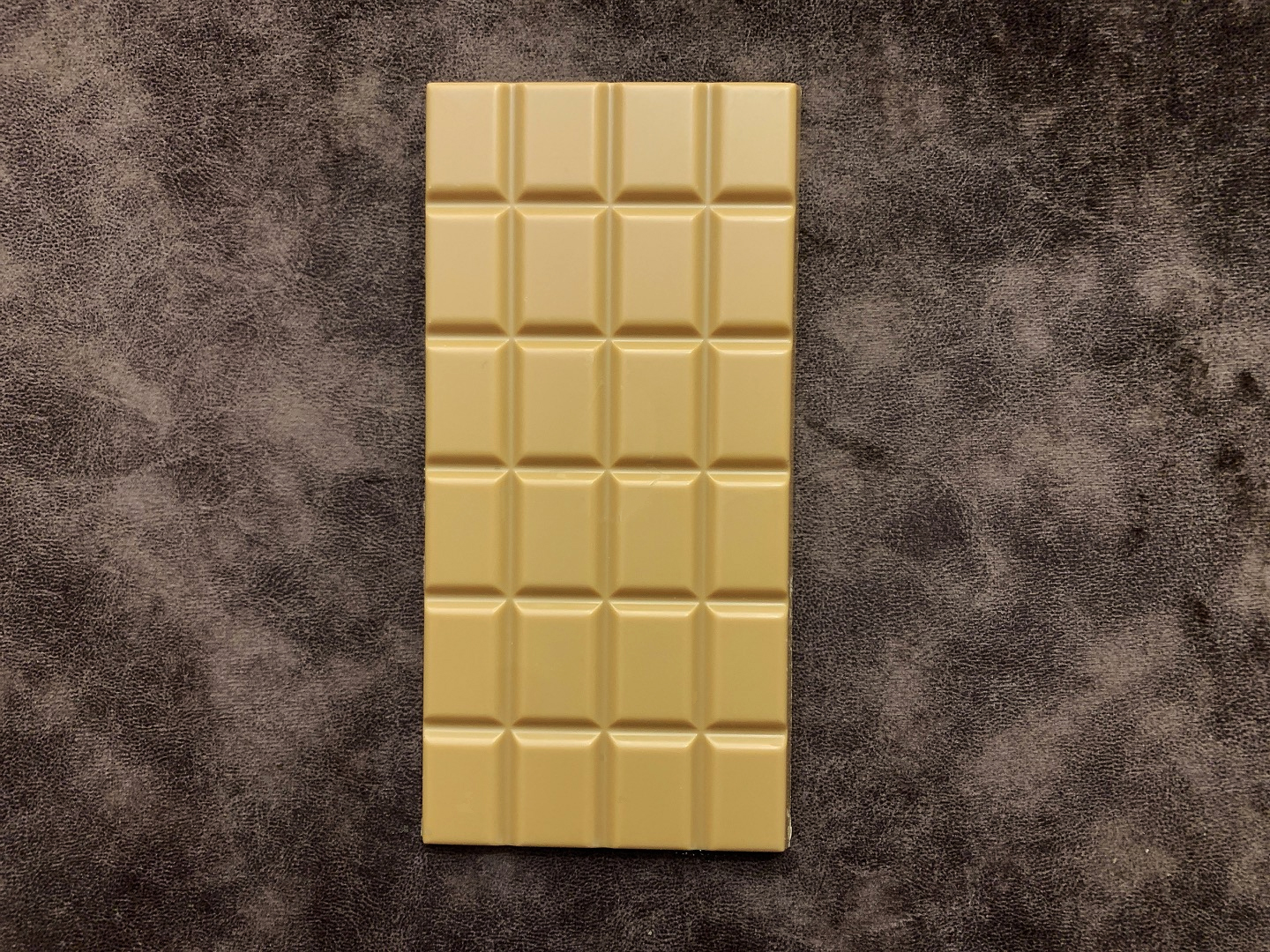 tablet-chocolate-blond